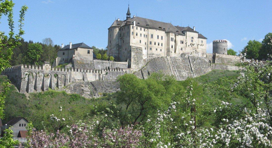 замок Чески-Штернберк