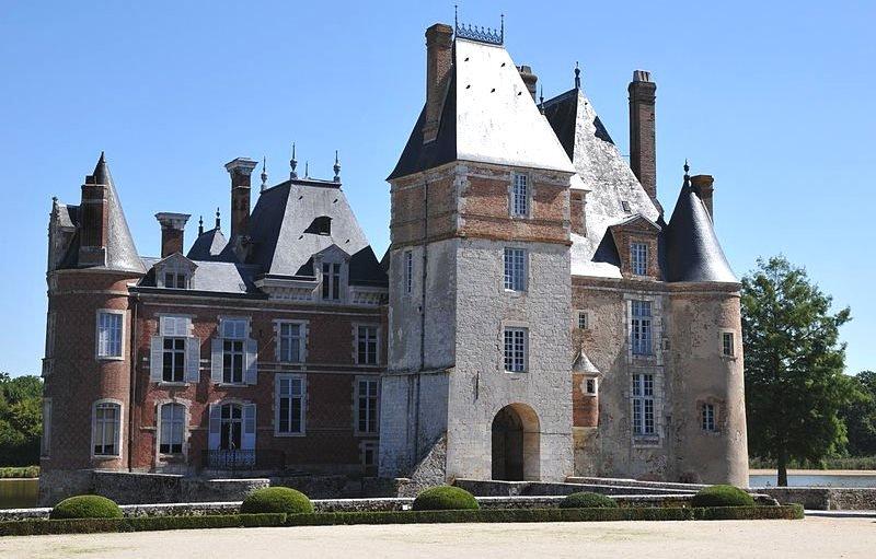 замок Ла Бюссьер во Франции