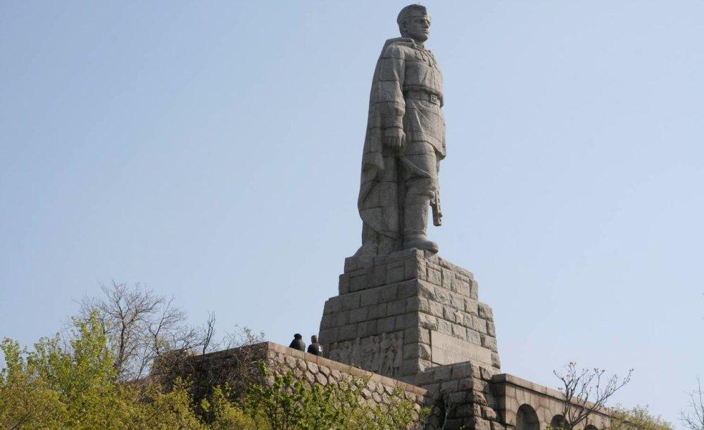 Алёша, памятник советскому солдату