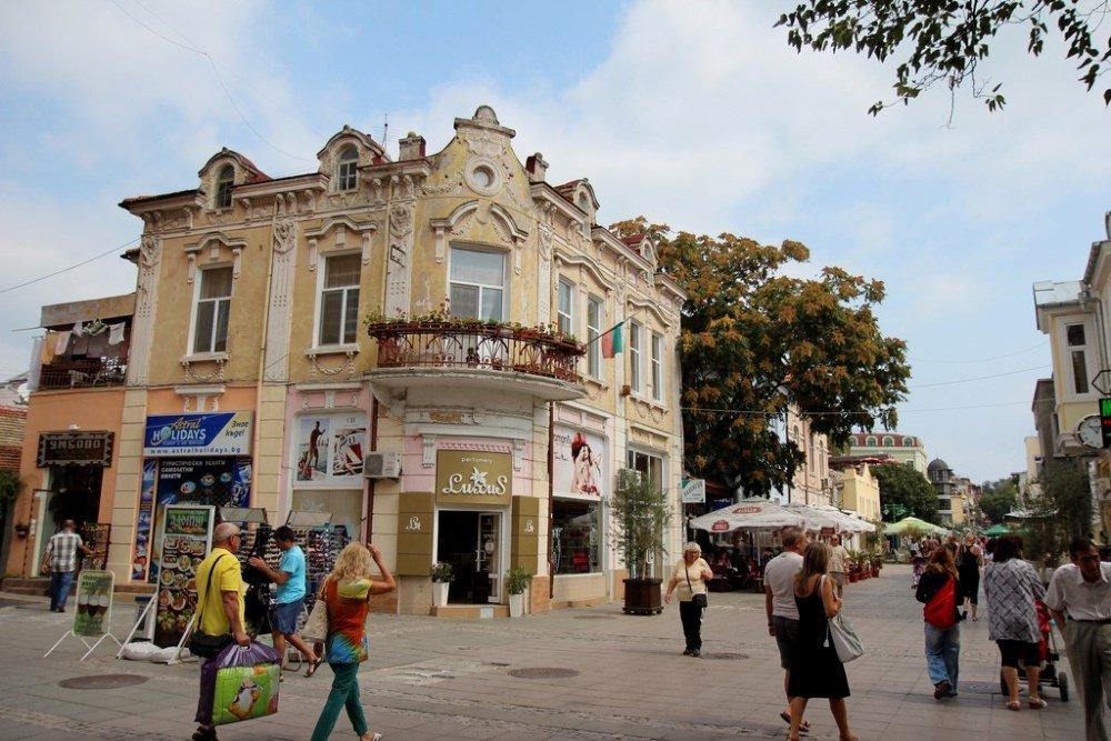 пешеходная улица в Бургасе