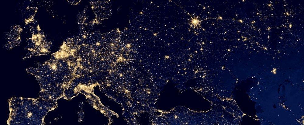 Россия из космоса ночью со спутника