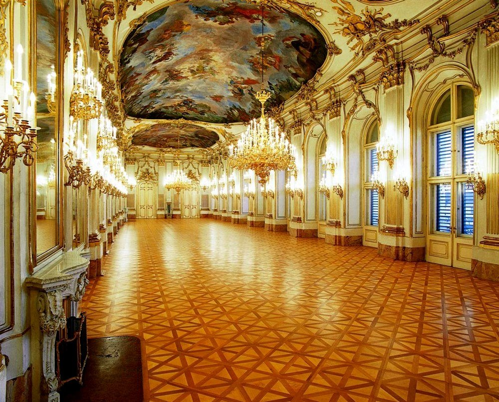 фото внутреннего убранства дворца Шёнбрунн