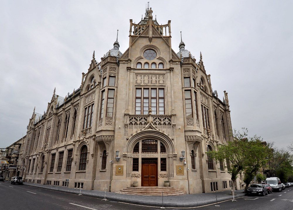 Дворца Мухтарова в Баку