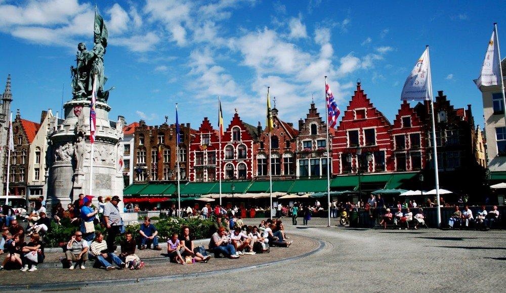 фотография площади в Брюгге