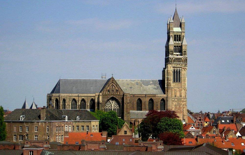 Кафедральный собор Христа Спасителя на фото