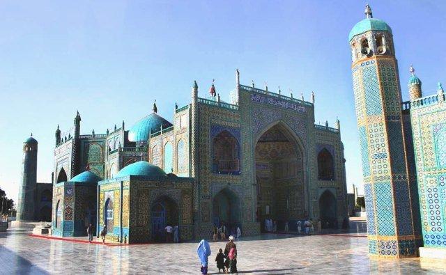Мечеть в городе Мазари-Шариф