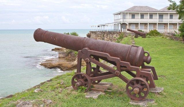 достопримечательности, порты и пушки
