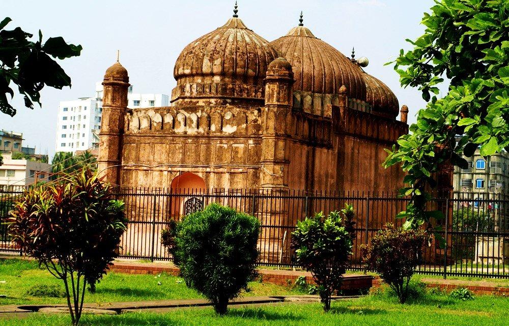 Мечеть Бинат Биби в Дакке