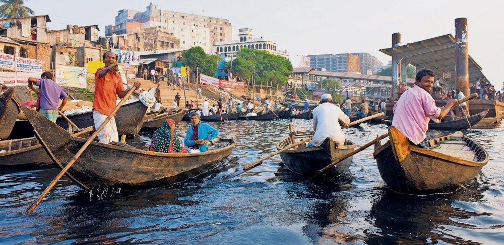 местное население в Дакке