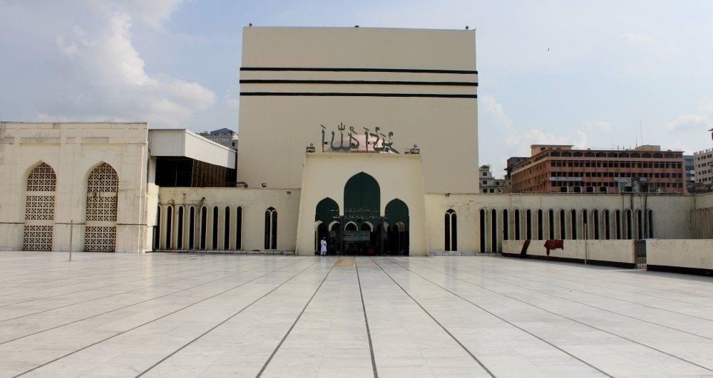 национальная мечеть Байтул Мукаррам