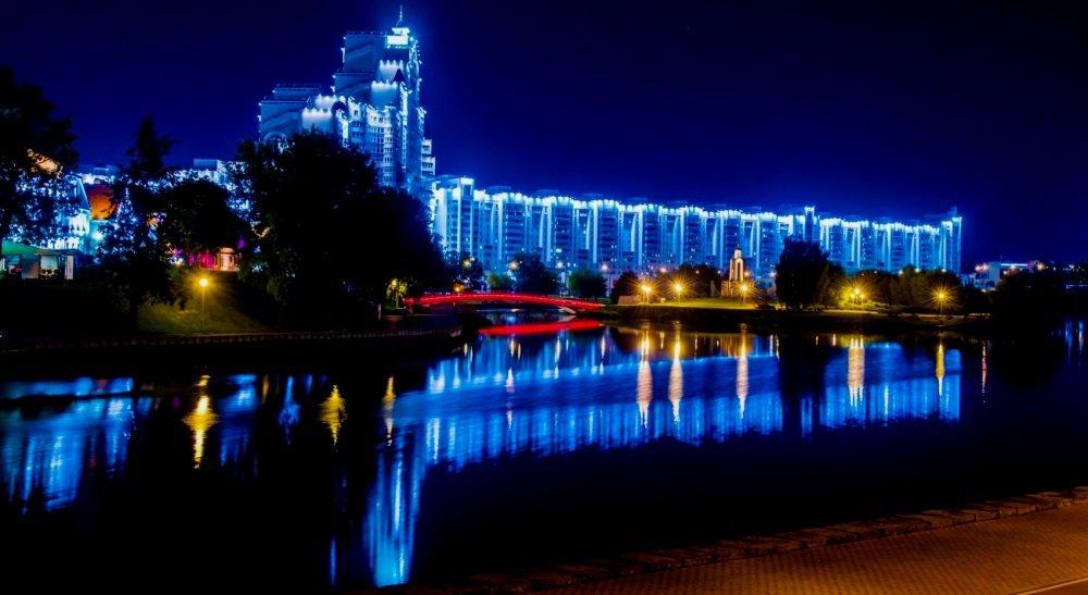ночная подсветка зданий