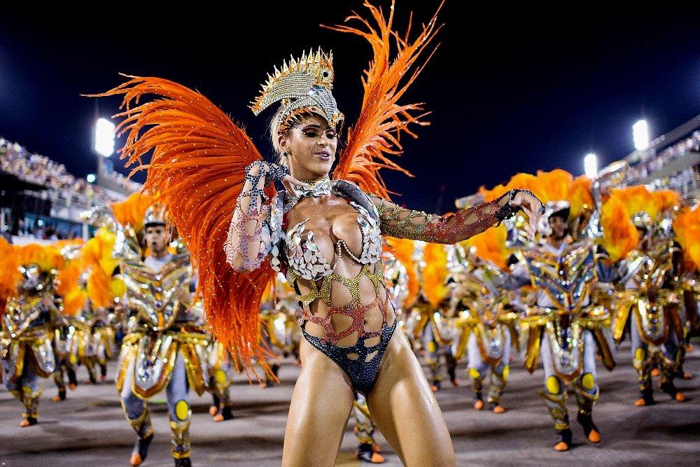 костюм на карнавале в Рио-де-Жанейро