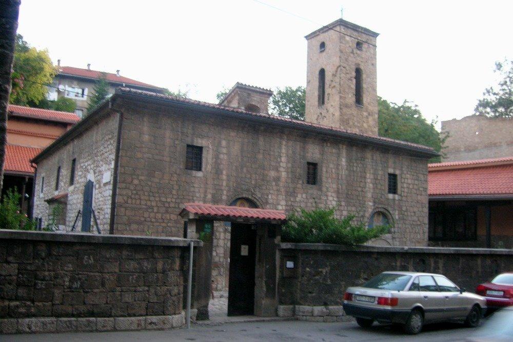 старая православная Церковь Святых Архангелов Михаила и Гавриила