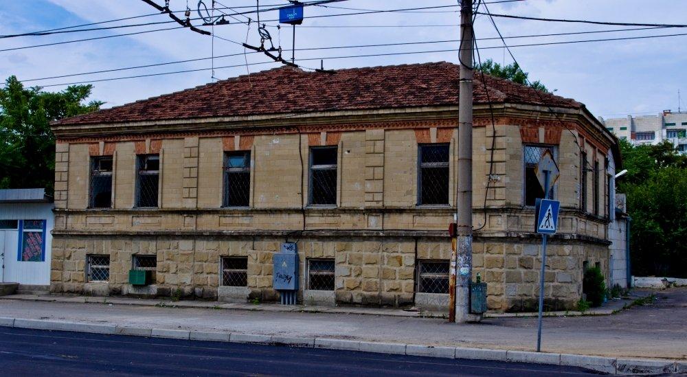 сохранившийся старый дом в Тирасполе