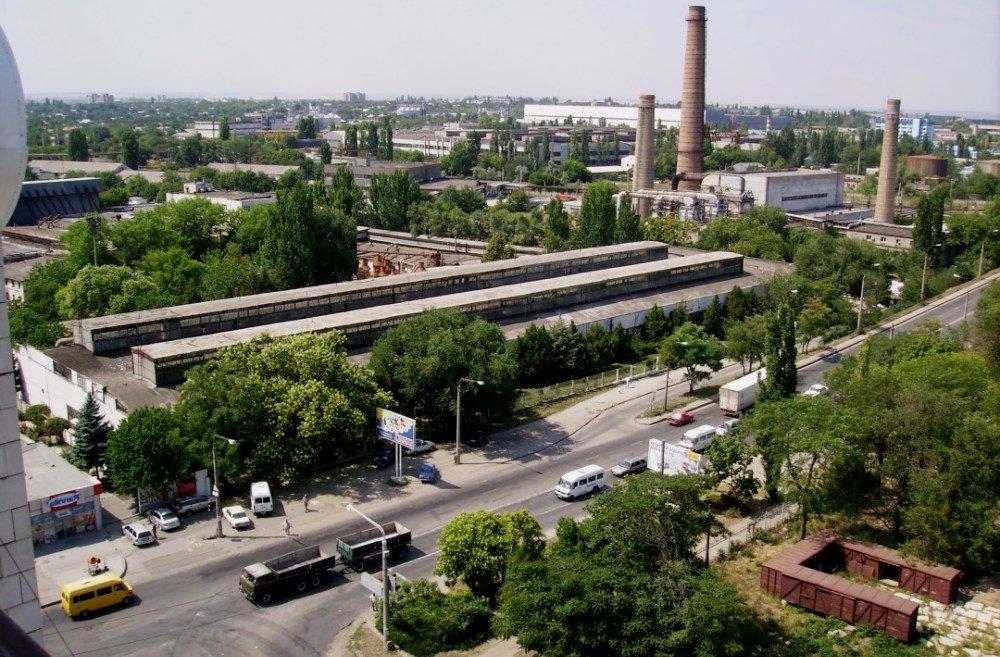фотография с видом на заводы и промышленность