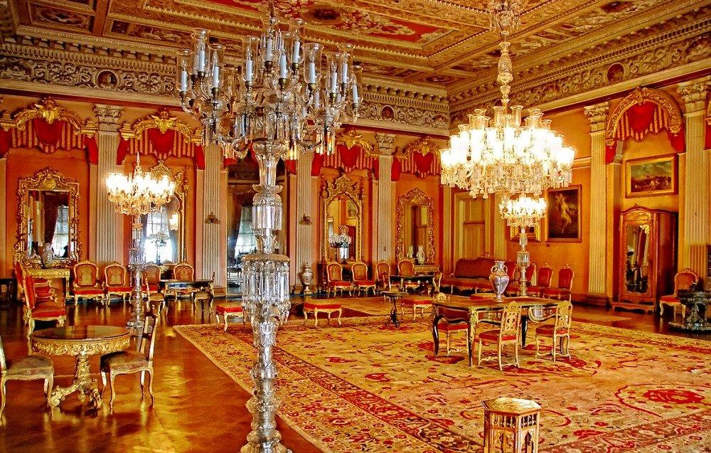 красивое фото зала дворца Долмабахче