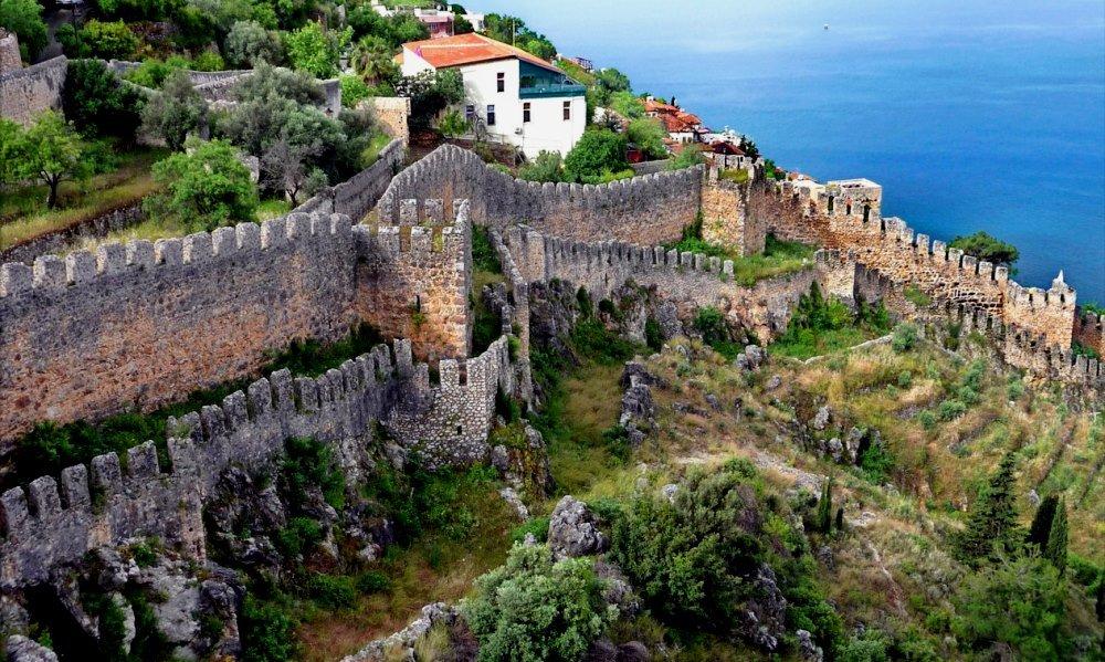 крепость и замок в Алании