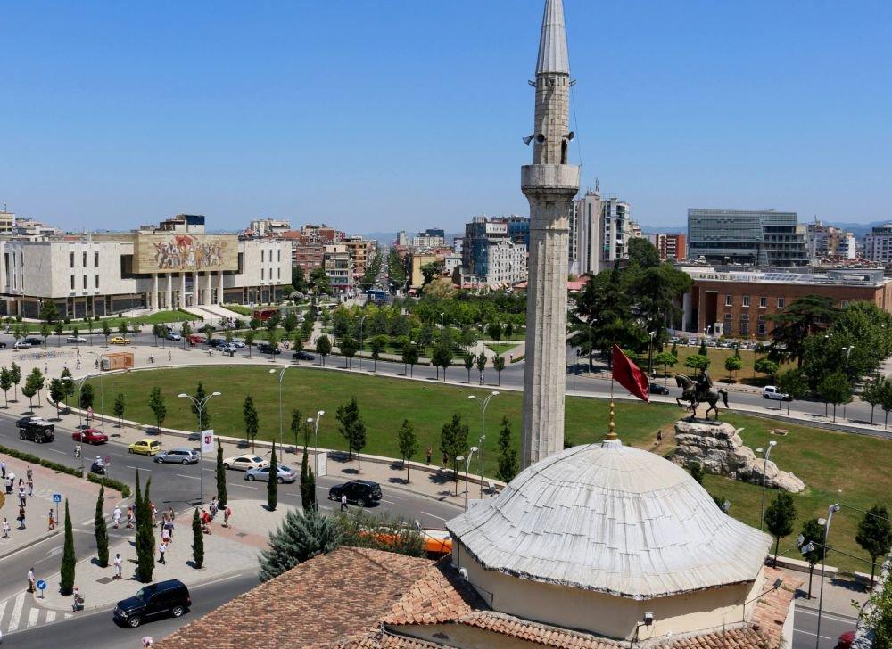 памятник Скандербегу на центральной площади