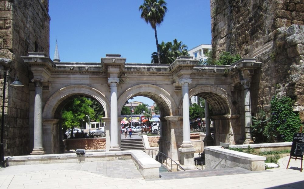 Ворота императора Андриана
