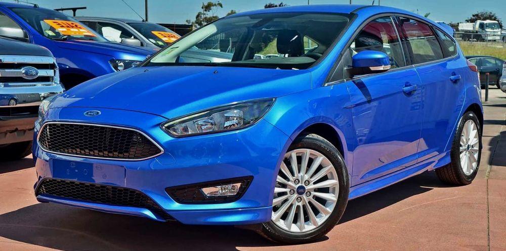 синий ford focus