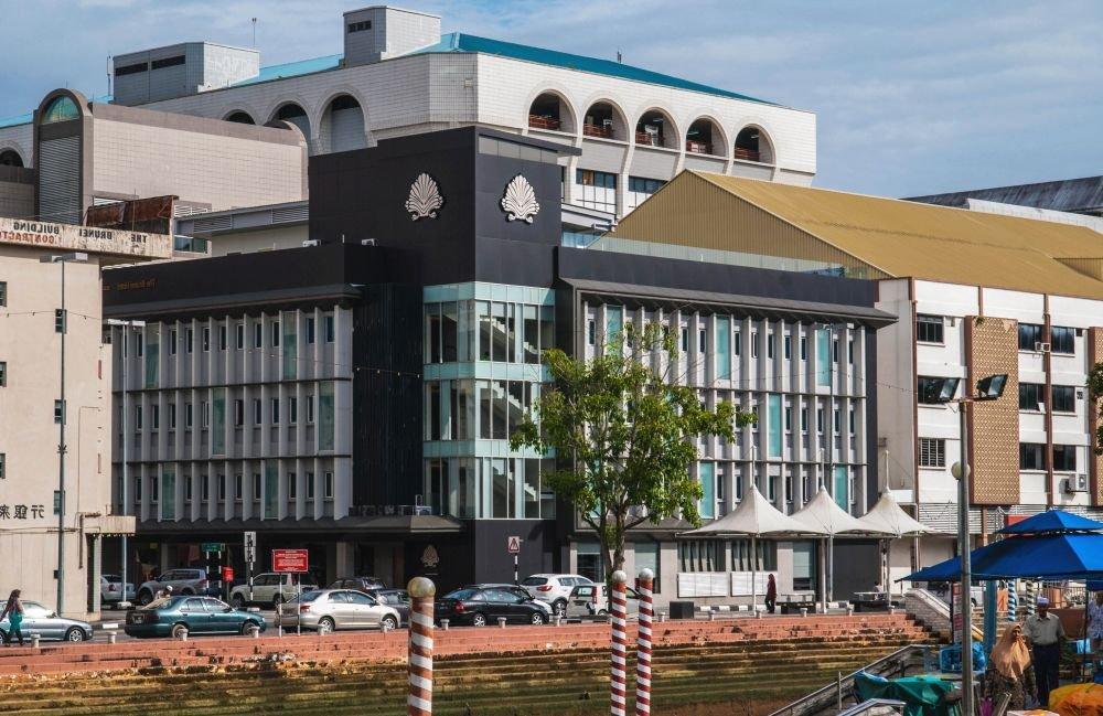 здание местного университета