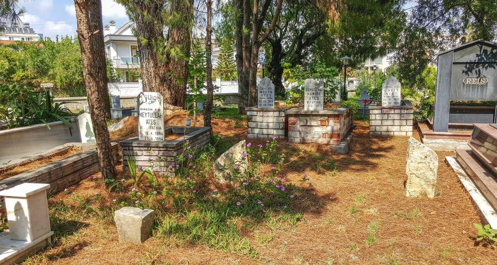 красивое старое кладбище