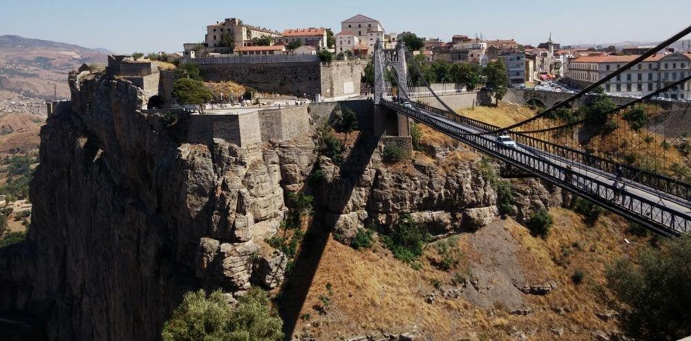 мост и архитектура