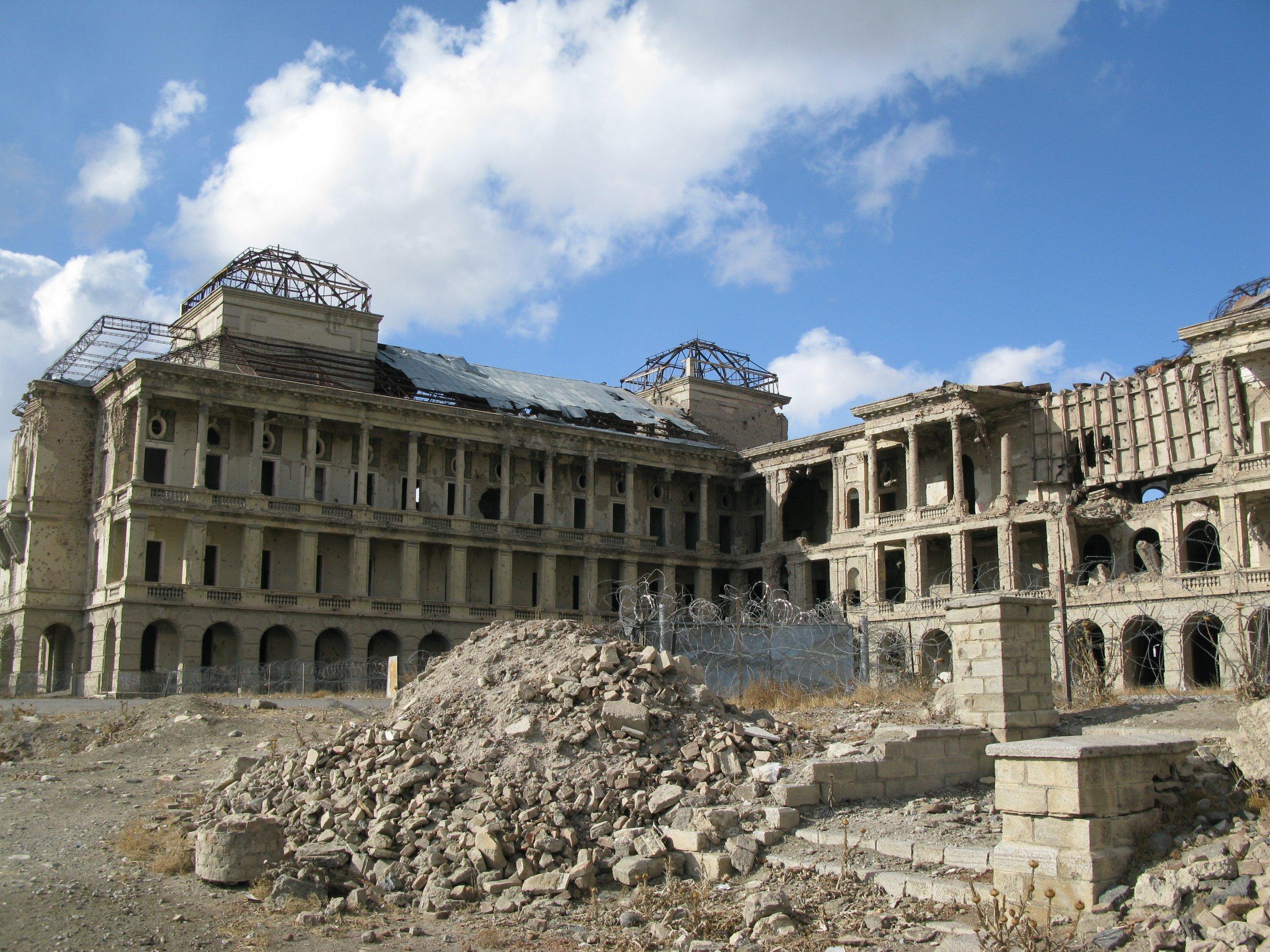 разрушенный дворец в Кабуле