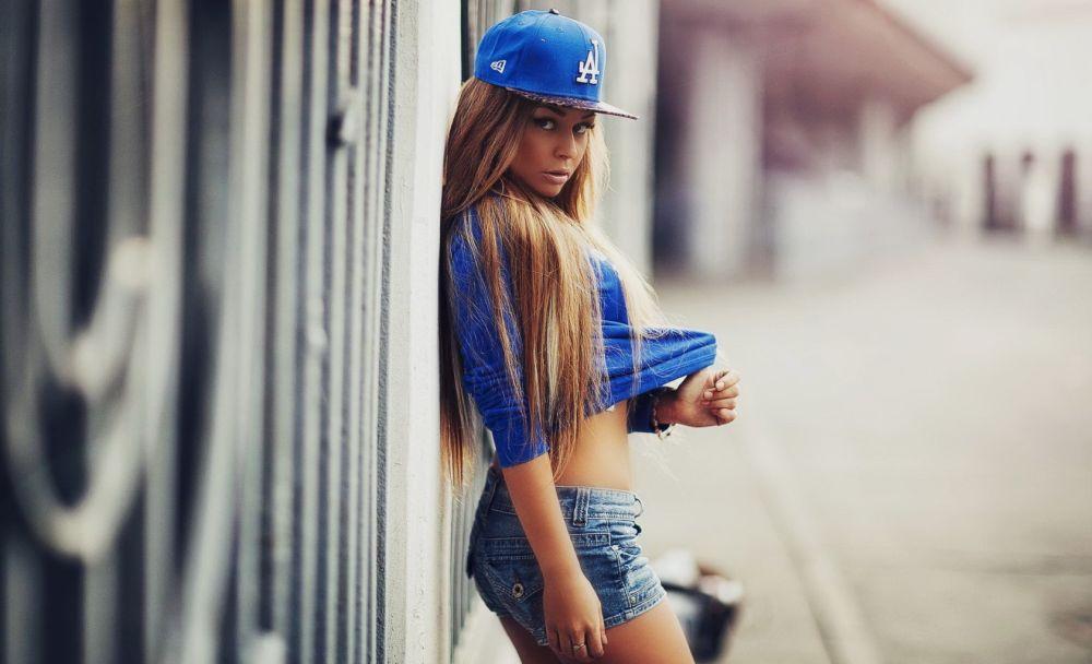 американская малышка в стиле хип-хоп