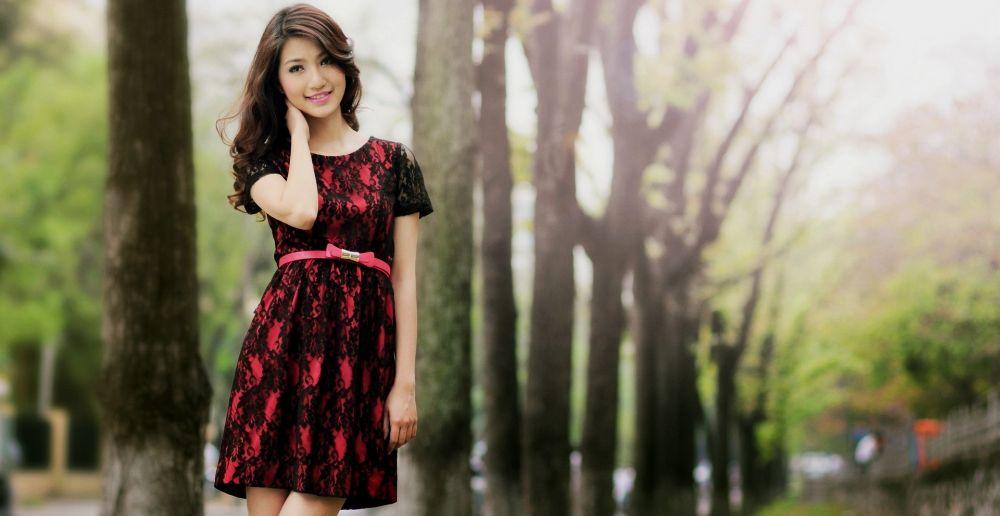 Фотосессия в парке в изящном платье