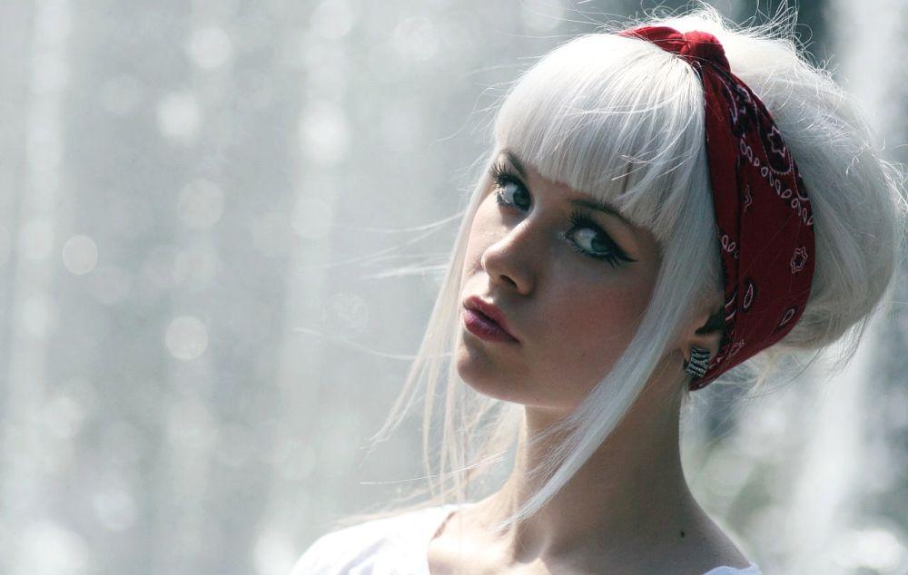 очень стильная блондинка
