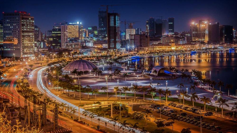 фото Луанды ночью