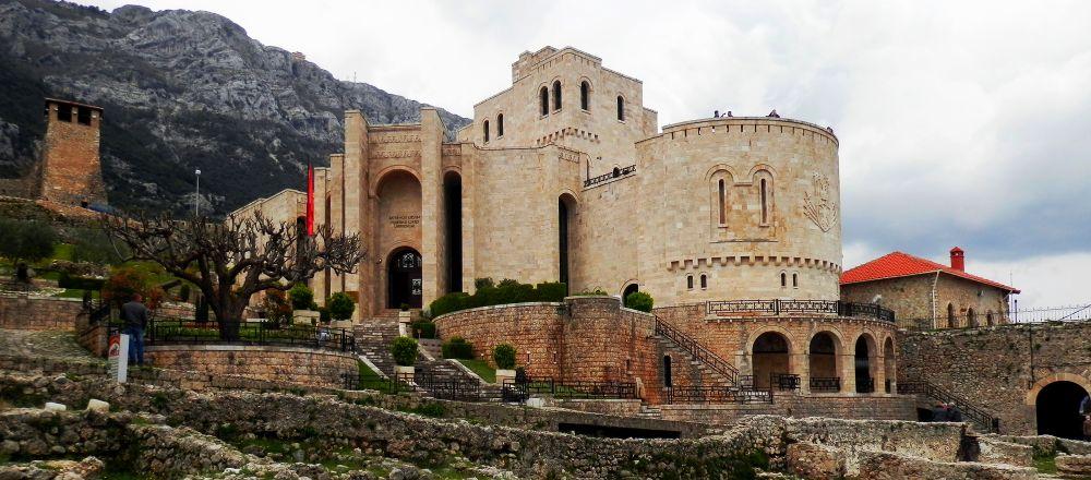 замок Тираны, исторический центр